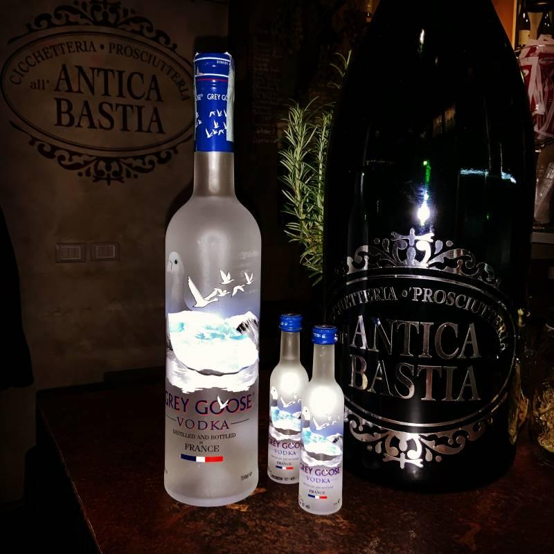 Antica bastia cocktail bar